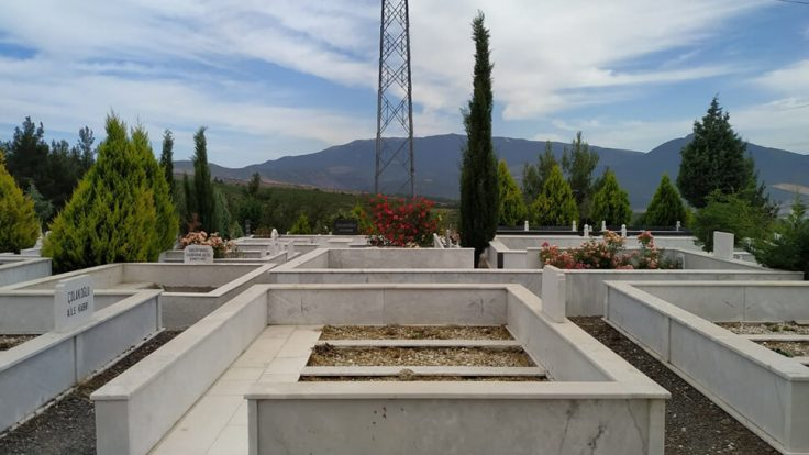 Aile Mermer Mezarları 2